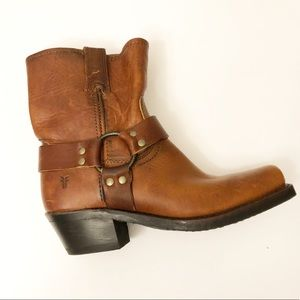 Frye leather harness moto ankle booties Sz 7